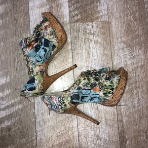 Abstract printed Booties